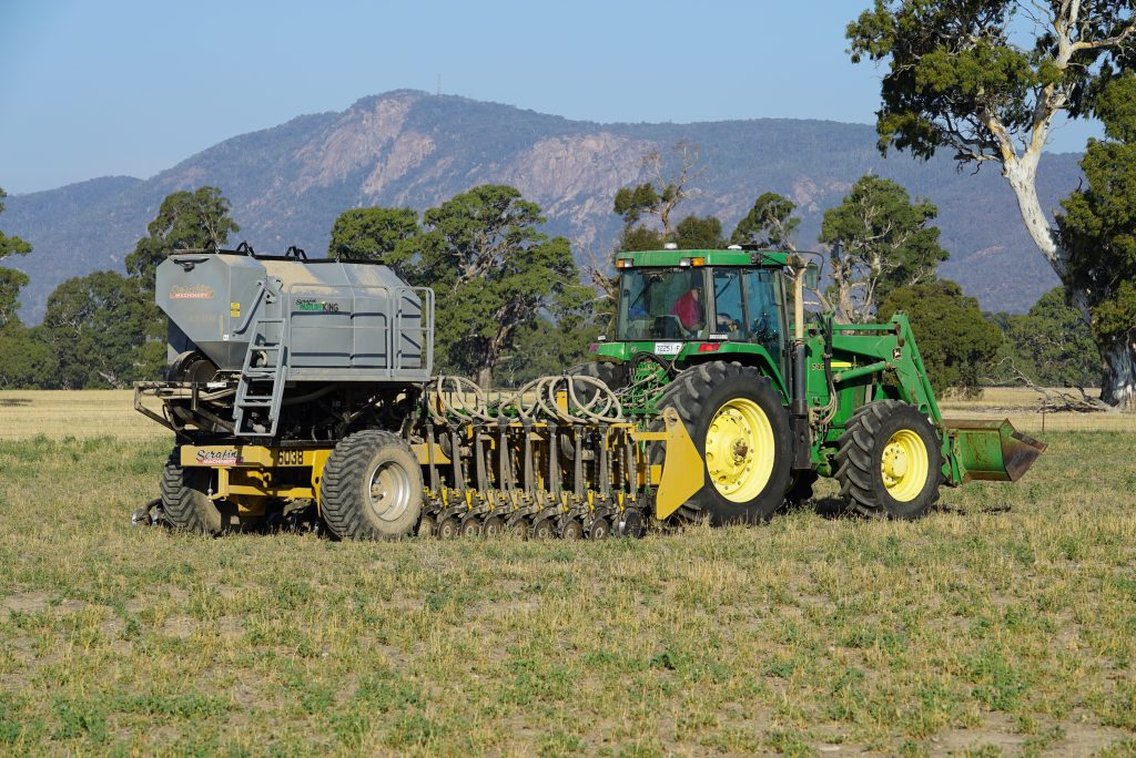 Serafin PastureKing double disc air seeder