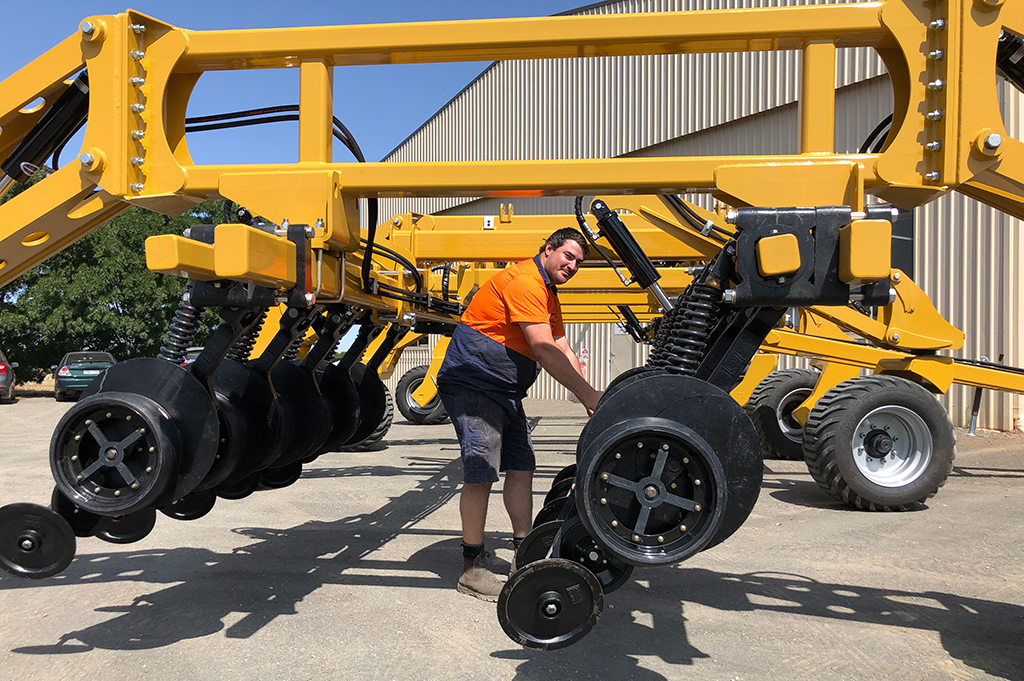 Serafin Machinery release new Ultisow Hi-Lift frame! -