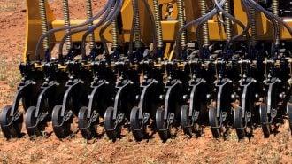 Rear pivot upgrade on Tatu row unit